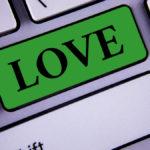 Love button in green